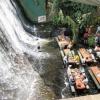 Restaurante flutuante no Villa Escudero, Filipinas