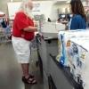 Papai Noel foi as compras...