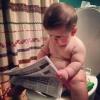 Nada como ler enquanto reina no troninho!!