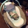 Tirando onda no bebê conforto