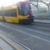 Homem aranha andando de Trem