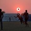 O eclipse da bola!